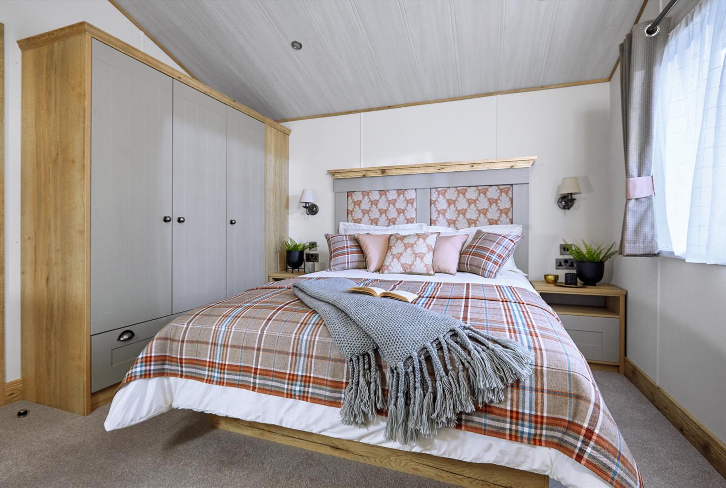 New 2021 ABI Harrogate Lodge 41ft x 20ft - 2 - master bedroom
